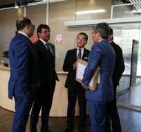 QUITO, Ecuador.- Carlos Luis Morales entregó documentación sobre el dragado en Fiscalía y Contraloría. Foto: API