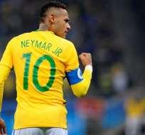 Neymar como capitán de Brasil.