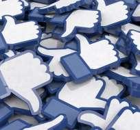 Las redes sociales son criticadas por promover una autopercepción basada en la aprobación popular. Foto: Pixabay.
