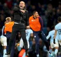 Guardiola festeja con el City.