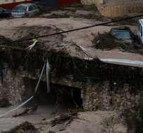 En otros lugares, la lluvia causó caos en las carreteras. Foto: AFP
