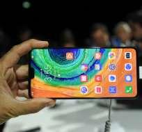 Huawei lanza su primer smartphone sin aplicaciones Google. Foto: AFP
