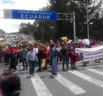 CARCHI, Ecuador.- Reducir el IVA al 6% exigen los manifestantes, en lo que anuncian como medida indefinida. Foto: Paola Andrade