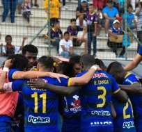 Jugadores de Delfín celebran el tanto de Sergio López. Foto: Twitter Delfín.