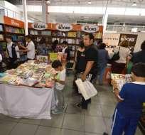 54 escritores invitados en la Feria del Libro en Guayaquil. Foto: Referencial - Archivo
