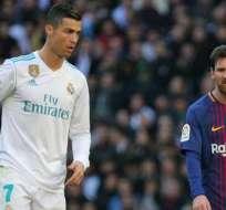 Cristiano Ronaldo a la vista de Lionel Messi.