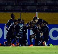 Jugadores de Independiente del Valle, celebrando el gol.