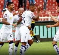 Antonio Valencia celebra con sus compañeros. Foto: Twitter Liga.