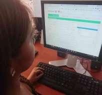 ECUADOR.- El registro para los venezolanos, que inicia este 26 de septiembre, se realiza en línea. Foto: Ecuavisa