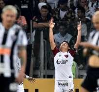 ´Pulga' Rodríguez celebrando su gol de penal.