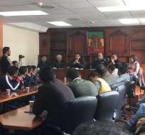En la Prefectura de Carchi se realiza reunión para evaluar posibilidad de suspender el paro. Foto: Paola Andrade