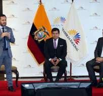 Secretario Anticorrupción entregó propuesta al presidente del Legislativo. Foto: API