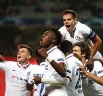 Jugadores del Chelsea y su festejo por la victoria. Foto: Twitter Chelsea.