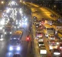 Imagen del Puente de la Unidad Nacional, antes de que rija nuevo precio de combustibles. Foto: Tw CSCG