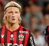 Dolberg y Diaby-Fadiga, con la camiseta del Niza.