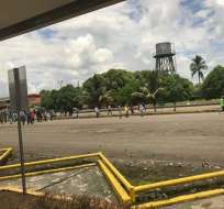 Manifestantes ingresan al bloque 60 del Campo Sacha, en Orellana. Foto: Cortesía