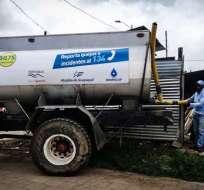 La empresa Interagua confirmó que han suministrado agua a más de 40.000 usuarios. Foto: Cortesía