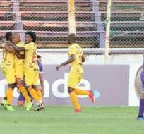 Jugadores de BSC celebrando un gol.