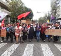 Colectivos feministas y mujeres indígenas se manifiestan en la capital. Foto: API