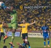 Se dieron a conocer los dias y horas para los duelos de Liga-Emelec y Barcelona-Delfín. Foto: Tomada de @FEFecuador