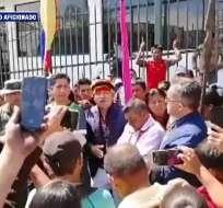 MACAS, Ecuador.- Manifestantes bloquearon el acceso de funcionarios a la Gobernación de Morona Santiago.