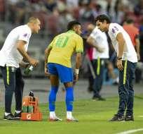El delantero brasileño salió a los 12 minutos del partido de su selección ante Nigeria. Foto: ROSLAN RAHMAN / AFP