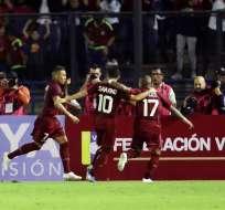 Venezolanos festejan juntos.