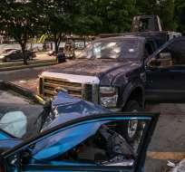 CULIACÁN, México.- En las avenidas hubo vehículos accidentados. Foto: AFP