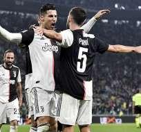 Cristiano grita su gol junto a Pjanic. Foto: Juventus.