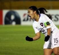 Jugadora de Cerro Porteño grita uno de los tres tantos de su equipo. Foto: Twitter Libertadores Femenina.