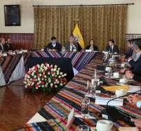 Mandatario se reunió con las autoridades provinciales en Carondelet. Foto: Twitter Presidencia