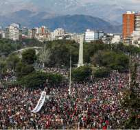 Sexto día de violentas protestas en Chile pese a que Piñera pidió perdón. Foto: AP