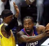 Khawi Leonard ante Los Lakers.