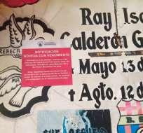 GUAYAQUIL, Ecuador.- El aviso fue pegado sobre las bóvedas.