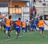 Jugadores de Delfín celebran uno de sus goles. Foto: Twitter El Canal del Fútbol.