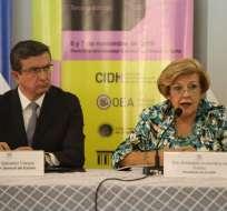 El procurador Iñigo Salvador y la presidenta de la CIDH, Esmeralda Arosemena de Troitiño. Foto: API