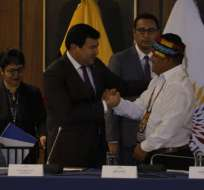 Indígenas entregan propuesta económica a la Asamblea. Foto: API