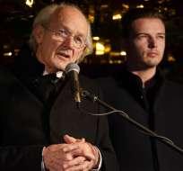 LONDRES, Reino Unido.- John Shipton, padre de Assange. Foto: AFP