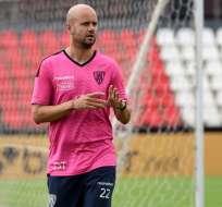 El técnico español tomó el mando del club ecuatoriano tras la salida de Ismael Rescalvo. Foto: DANIEL DUARTE / AFP