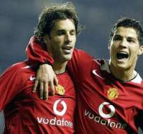 Ruud van Nistelrooy y Cristiano Ronaldo celebrando un gol en el Man. United.