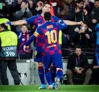Messi y Suárez se abrazan tras un tanto del Barcelona. Foto: Twitter Barcelona.