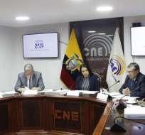 Los vocales del CNE pidieron que se elabore un nuevo informe y sea entregado en 8 días. Foto: CNE