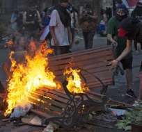SANTIAGO, Chile.- El estallido social inició el 18 de octubre con incendios, destrozos y saqueos. Foto: AFP