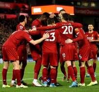 Jugadores del Liverpool celebran la victoria. Foto: Twitter Liverpool.