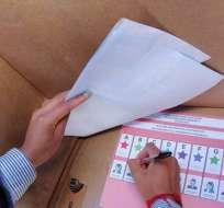 Binomios presidenciales deben estar integrados por hombre y mujer. Foto: Referencial
