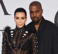 El esposo de Kim Kardashian critica que los niños nacieron a través de vientre de alquiler. Foto: AFP/Archivo