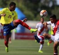 El delantero nacional se encuentra con la 'Minitri' en el Sudamericano sub-20. Foto: CLAUDIO REYES / AFP