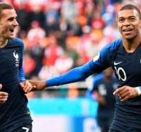 Griezmann y Mbappé, delanteros franceses.