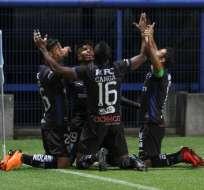 Jugadores de Independiente del Valle, celebrando un gol.
