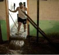 En Santo Domingo las lluvias causan inundaciones y daños en casas